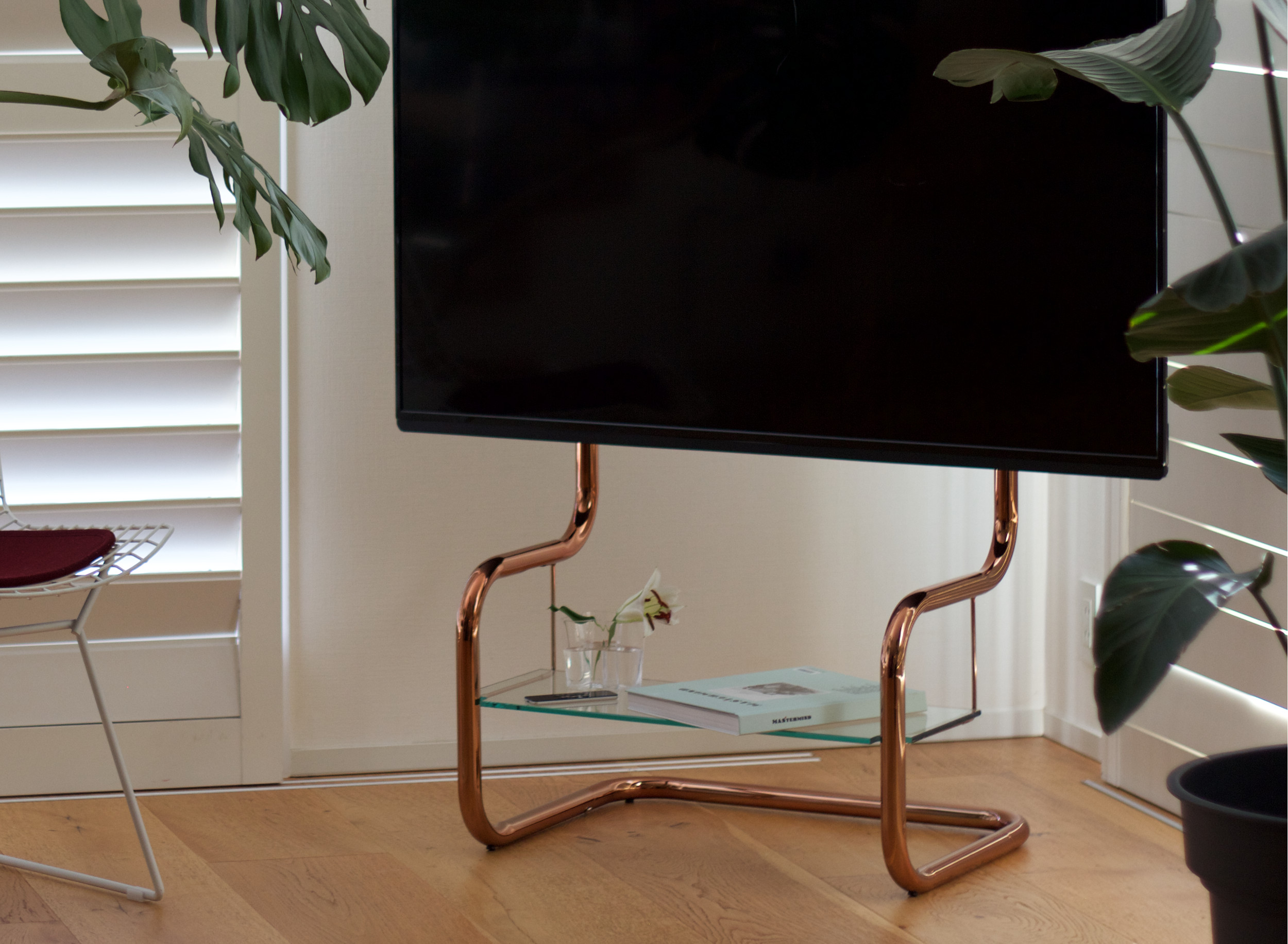 simple modern design TV stand copper pipe