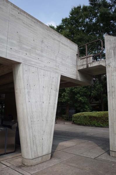 国立西洋美術館-RC壁柱