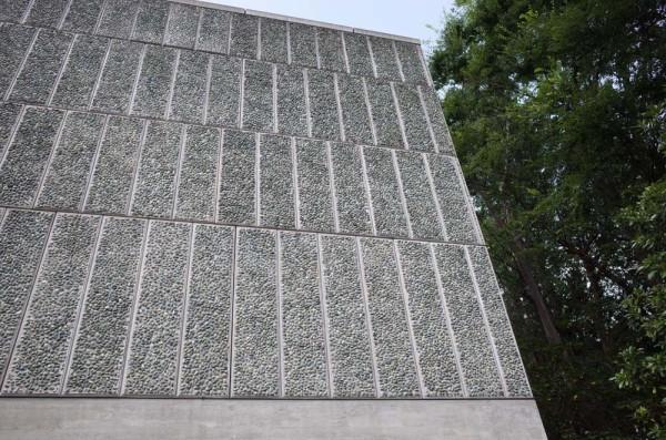 国立西洋美術館-石植えパネル