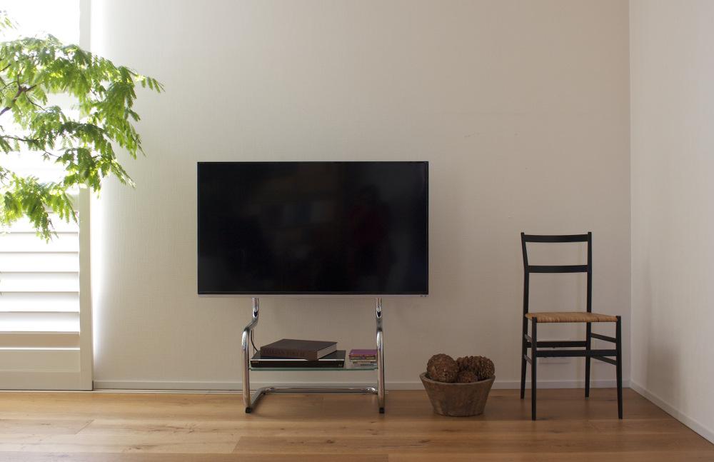 壁寄せテレビスタンド FSMのインテリア写真正面