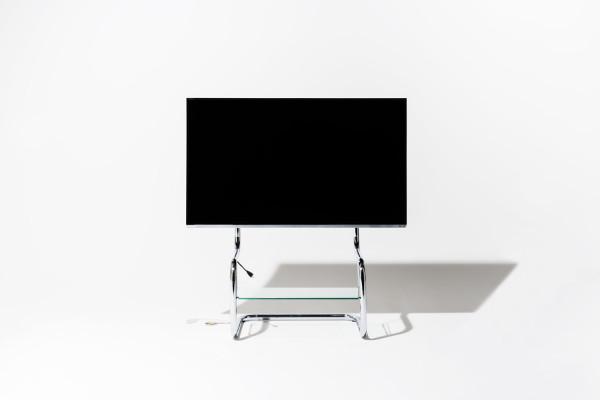 シンプルデザインのテレビスタンドFSM