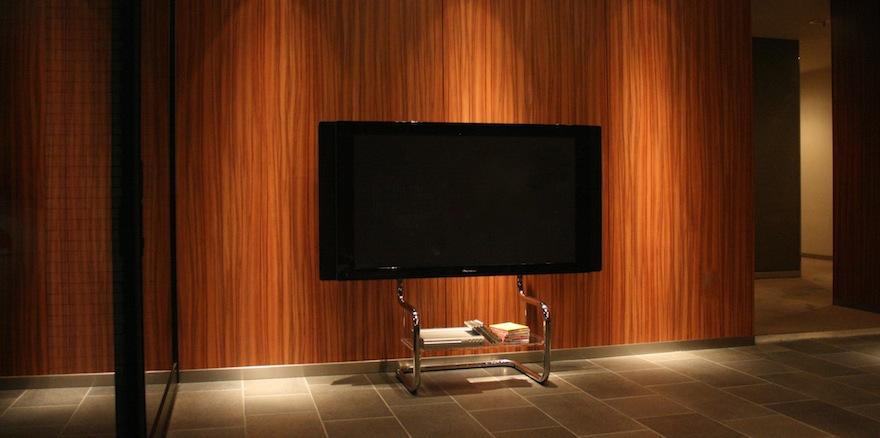 シンプルなテレビ台FSMの設置例写真