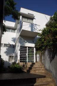 今も残る昭和 モダニズム 住宅の至宝 土浦亀城邸