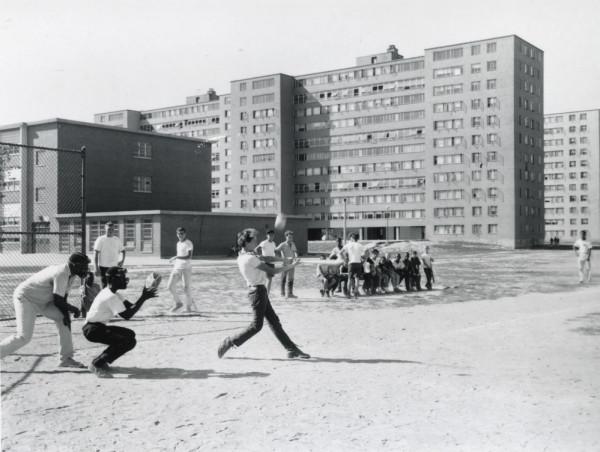 プルーイット・アイゴー 野球 Softball at Pruitt Igoe
